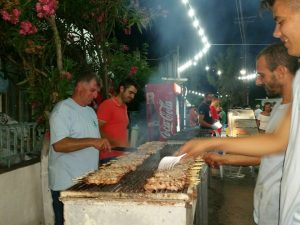 souvlaki, street food in Greece,houdetsi music festival, festival greece, festival crete